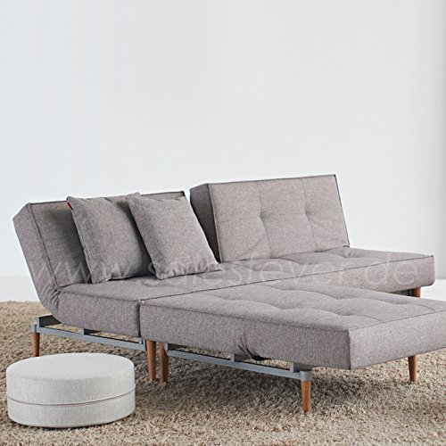 Innovation Schlafsofa mit hellen Holzbeinen Splitback Styletto Light Wood Textil grau