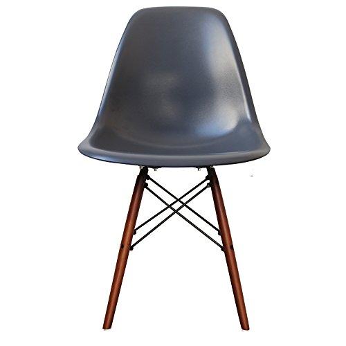 Retro-Stuhl, Kunststoff mit Holzbeinen, skandinavischer Stil, Beine aus Walnussholz, dunkelgrau, H: 82cm W: 46cm D: 50cm. Seat Height: 44cm